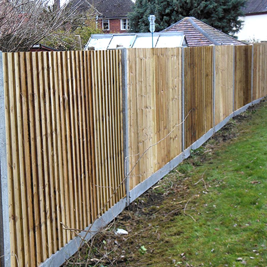 Panel fencing hardman oakley fencing close board fencing suffolk baanklon Images